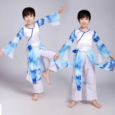 Boys chinese ancient folk traditional dance costumes blue gradient colored taichi martial kungfu cosplay dancing uniforms suits