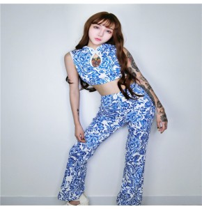 China blue and white printed fashion women's girl's hip hop dancers model show performance photos solo dance cosplay outfits costumes