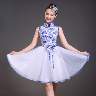 Chinese ancient folk dance dresses for women green fuchsia blue red female stage performance traditional singers dance costumes