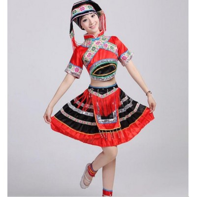 Red and black Women hmong chinese national traditions clothes Tujia hmong miao dress