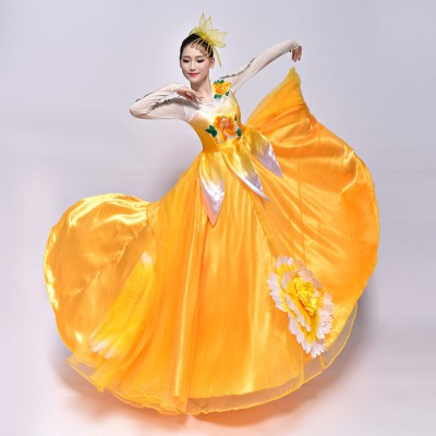 Women's flamenco dresses red yellow pink Spanish folk bull dance petals long length singers chorus opening dancing ballroom dress